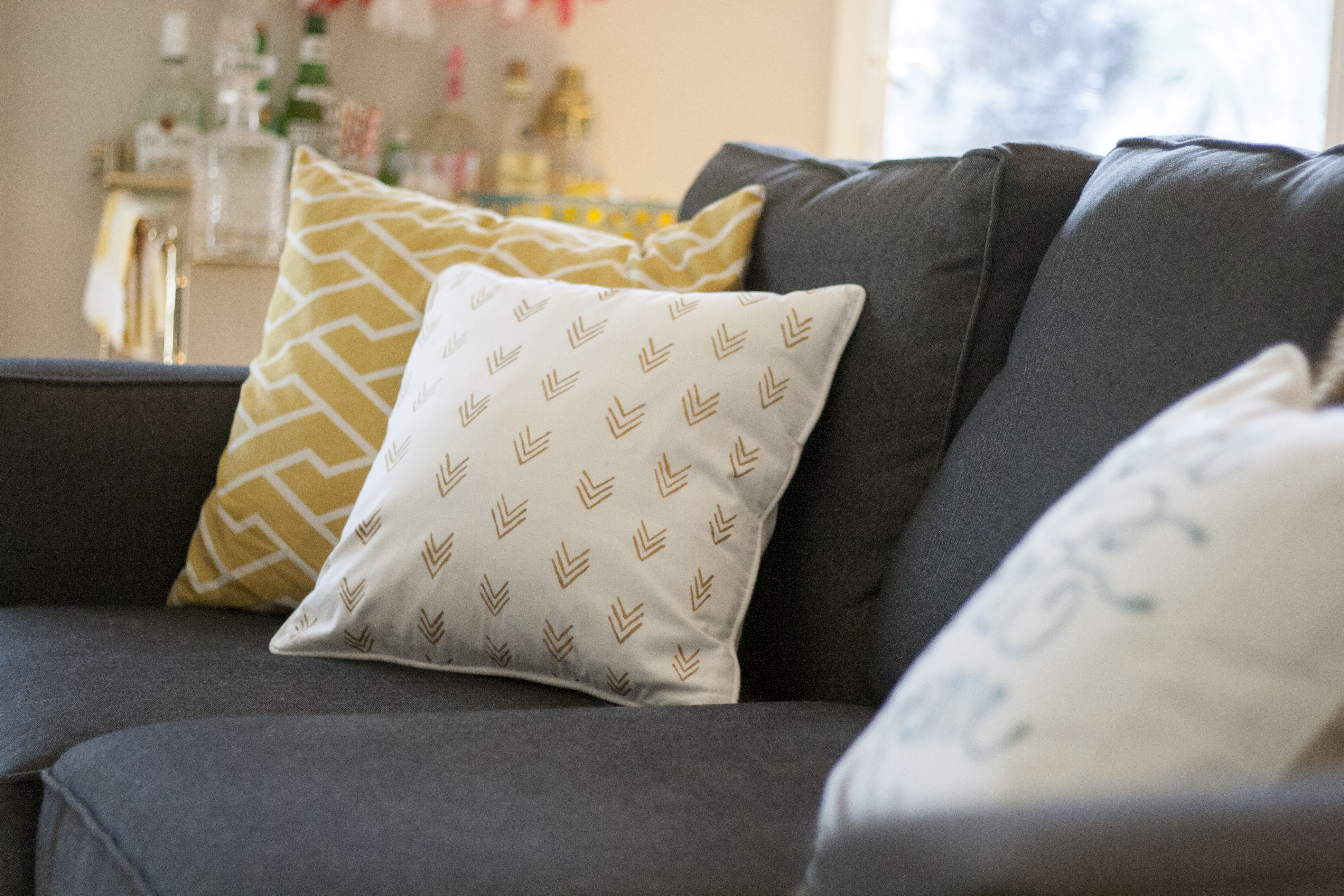 Diy Painted Pillow Case: Easy as D I Y  Painted Pillow Cases   Dream Green DIY,