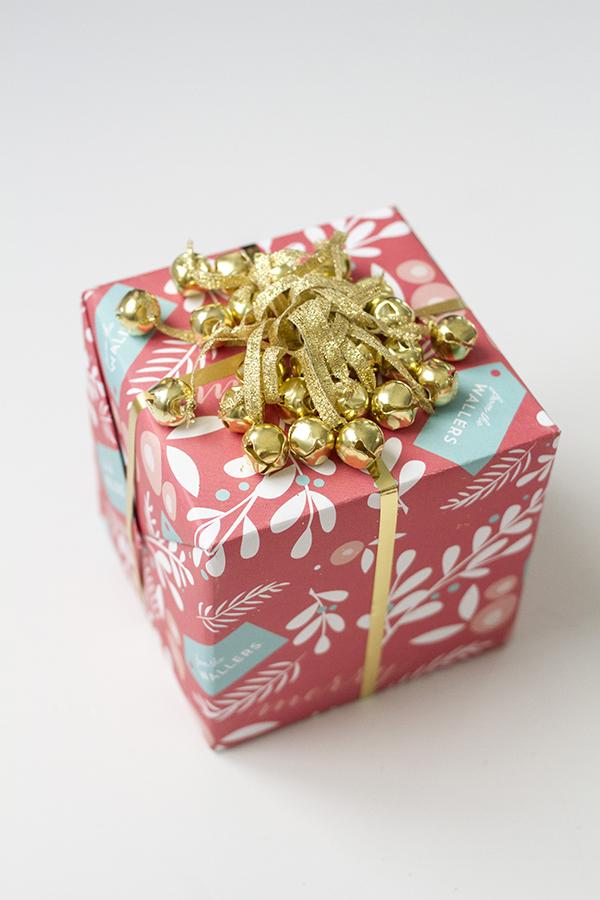 Holiday Paper Wrap Up #7 // Jingle Bells » Dream Green DIY