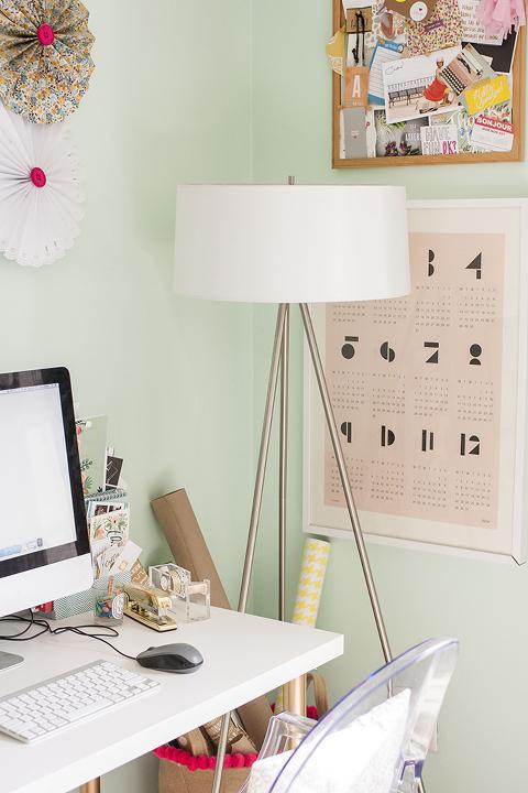 Blogger Stylin Home Tour: Spring Studio | Dream Green DIY