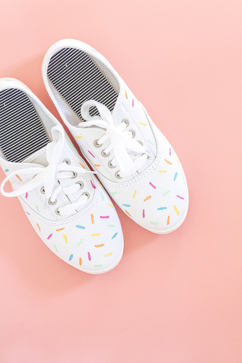 DIY Painted Ice Cream Sprinkles Shoes | Dream Green DIY