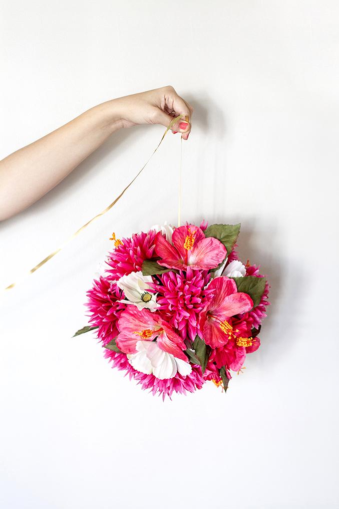 http://www.dreamgreendiy.com/wp-content/uploads/2015/07/17-31415-post/eHow-DIY-Flower-Ball-15-DGD1.jpg