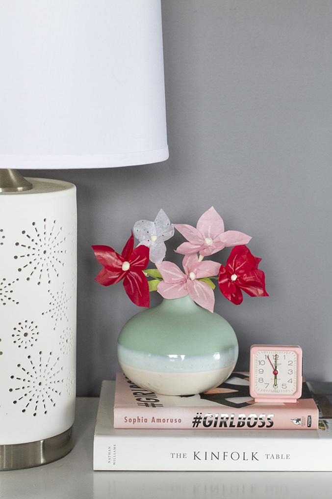 http://www.dreamgreendiy.com/wp-content/uploads/2015/07/26-31446-post/eHow-DIY-Paper-Flowers-19-677.jpg