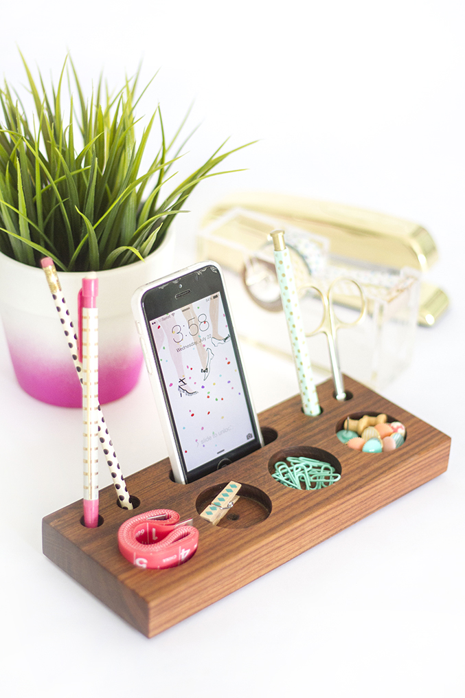 How to make your own diy wooden desk caddy dream green diy - Desk organizer diy ...