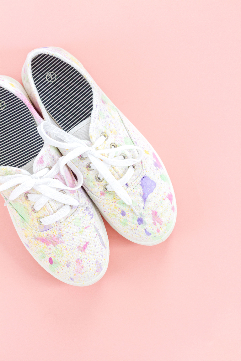 diy abstract paint splatter shoes - dream green diy