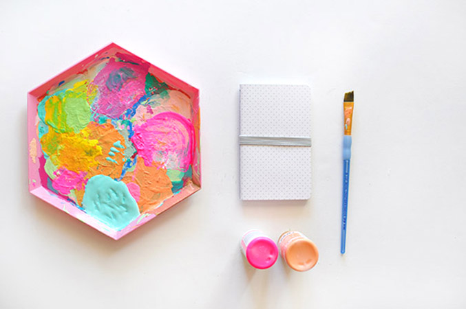 http://www.dreamgreendiy.com/wp-content/uploads/2015/10/21-32292-post/Simple-Painted-Notebook-supplies.jpg
