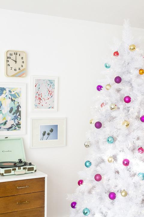 How To Style A Retro Mid-Century White Christmas Tree