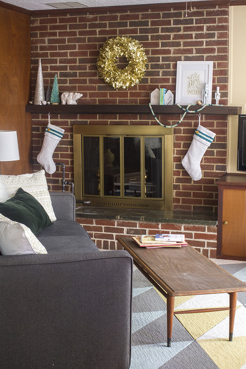 Holiday-Family-Room-2015-22
