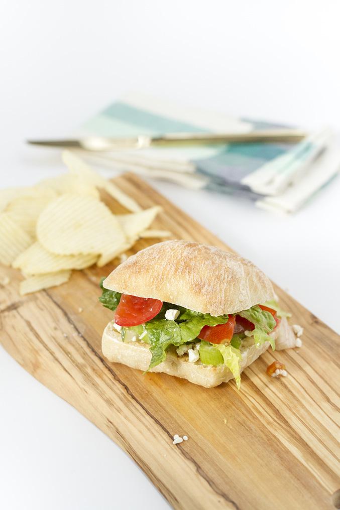 http://www.dreamgreendiy.com/wp-content/uploads/2016/02/19-34163-post/Vegetarian-Sandwich-11.jpg