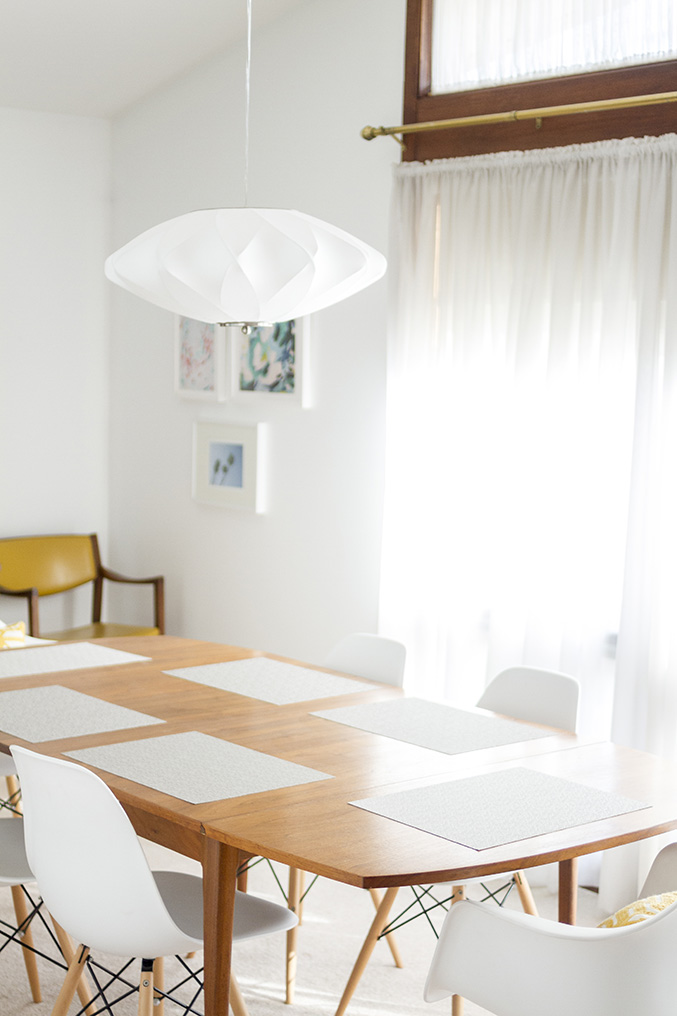 Take A Bite Out Of 24 Modern Dining Rooms: Retro Revival: Mid-Century Inspired Dining Room Chandelier
