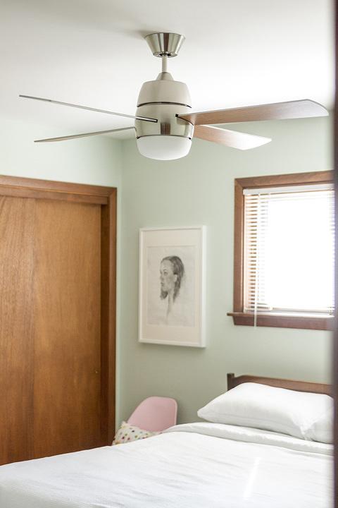 Retro Revival: Mid-Century Inspired @lampsplus Ceiling Fan | dreamgreendiy.com