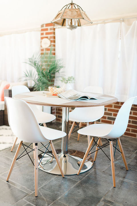 Mid-Century Modern Home Tour   dreamgreendiy.com + @glitterguide (Photos by @photopesce)