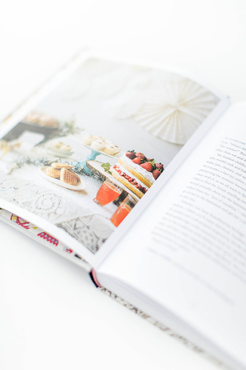 A review of Scandinavian Gatherings by Melissa Bahen @luluthebaker | dreamgreendiy.com