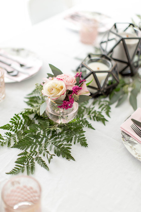How To Style A Seasonal Candle Centerpiece | dreamgreendiy.com + @woodwick