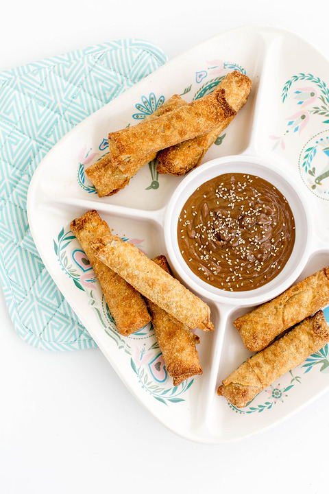 A Recipe For Spring Roll Peanut Dipping Sauce | dreamgreendiy.com