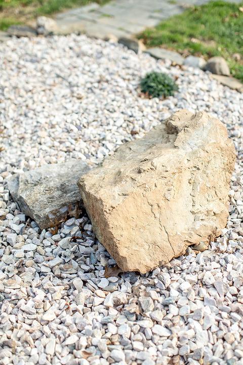 How to create a diy zen inspired rock garden dream green diy for Creating a rock garden