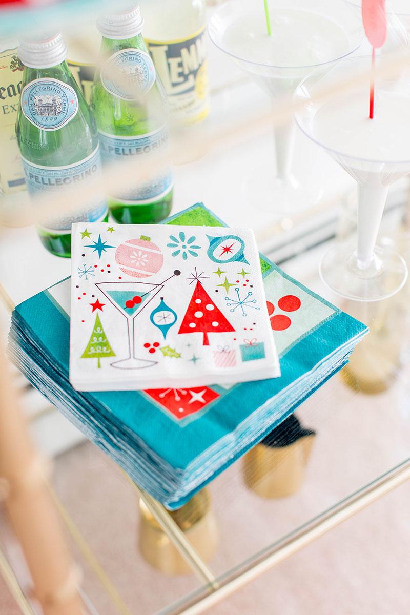 http://www.dreamgreendiy.com/wp-content/uploads/2016/12/08-38744-post/OTC-Christmas-Tablescape-20.jpg