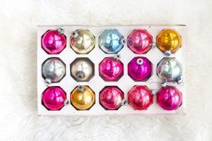 20 Bloggers Share Their Favorite Christmas Traditions | dreamgreendiy.com