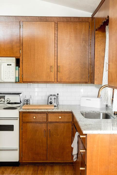 Brand New Brass Hardware In Ur Mid Century Kitchen | Dreamgreendiy.com