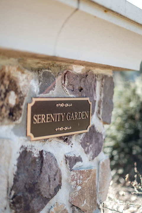 A Mid-Week Walk Through The Serenity Garden | dreamgreendiy.com