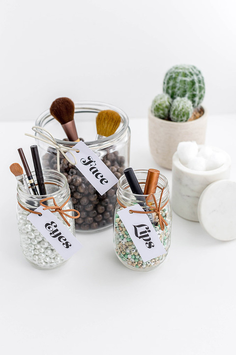 DIY Beaded Makeup Brush Holder | dreamgreendiy.com + @orientaltrading #ad