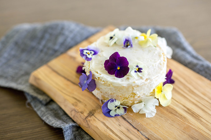 Make Over A Clearance Cake With Edible Flowers - Dream ...
