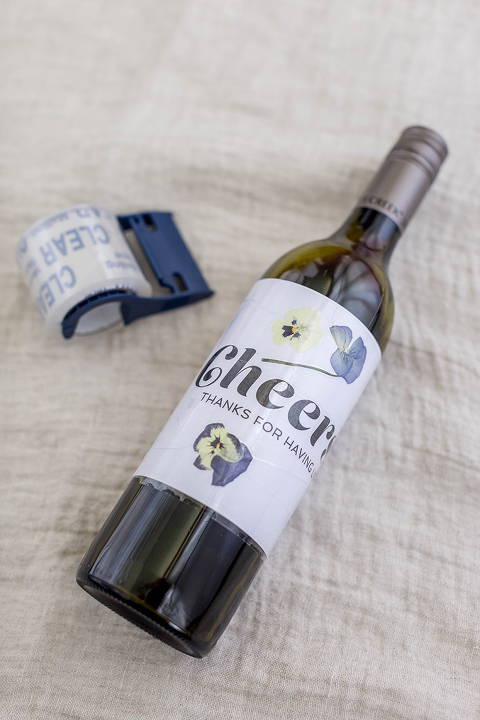 DIY Pressed Flower Wine Bottle Label (With Free Printables!)