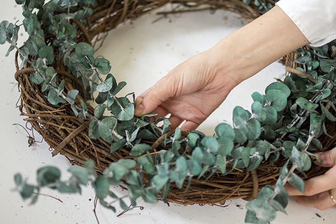 DIY-Seasonal-Wreath-05