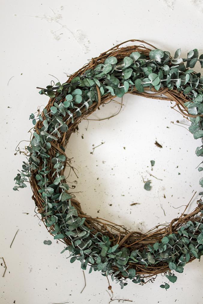 DIY-Seasonal-Wreath-10
