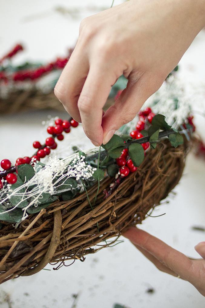 DIY-Seasonal-Wreath-16