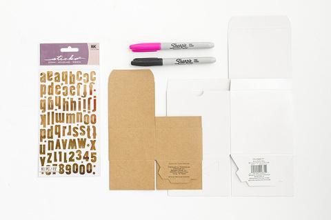 10-Minute DIY Doodle Gift Boxes | Dream Green DIY