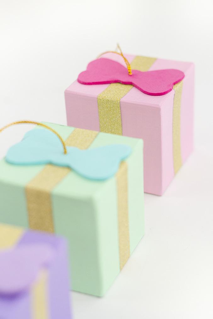 DIY Gift Box Ornaments   Dream Green DIY #theholidaycollective