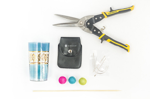 DIY Felt Ball Kabob Cocktail Stirrers | Dream Green DIY