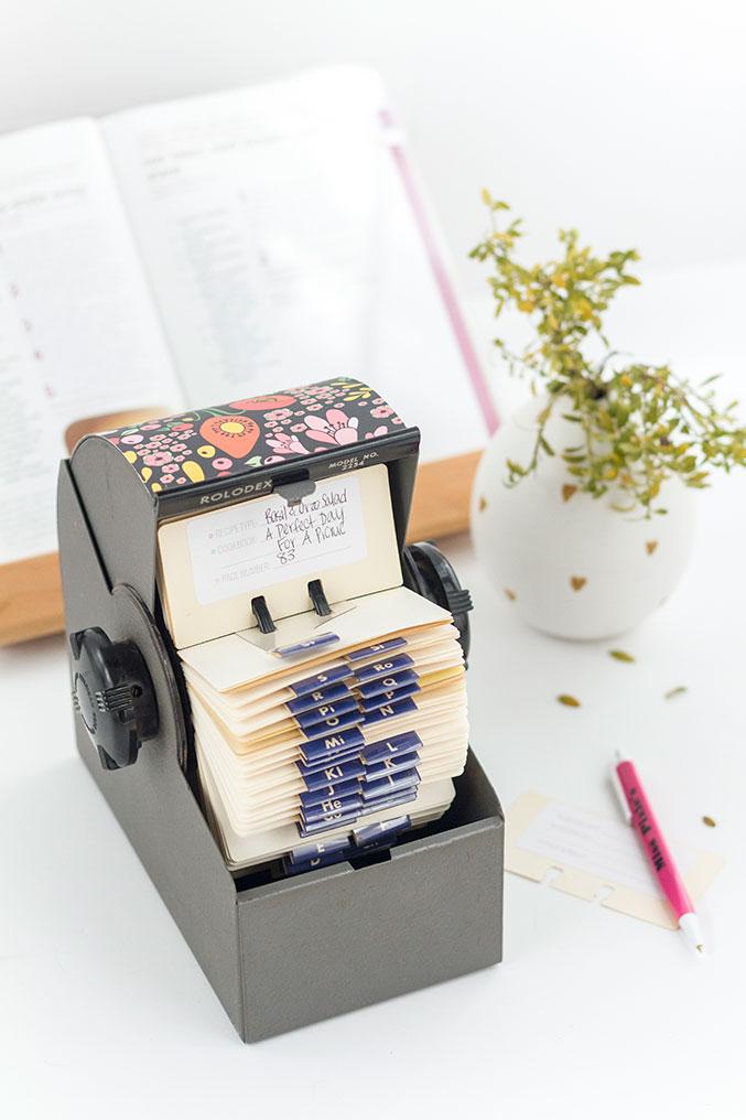 DIY Upcycled Rolodex Recipe Card Organization System - Dream Green DIY