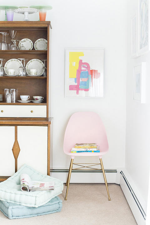 DIY Blush Pink Mid-Century Side Chair Makeover | dreamgreendiy.com