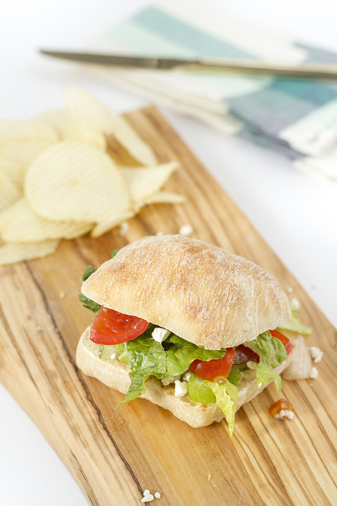 Vegetarian Vinaigrette Citrus Crunch Sandwich Recipe   dreamgreendiy.com