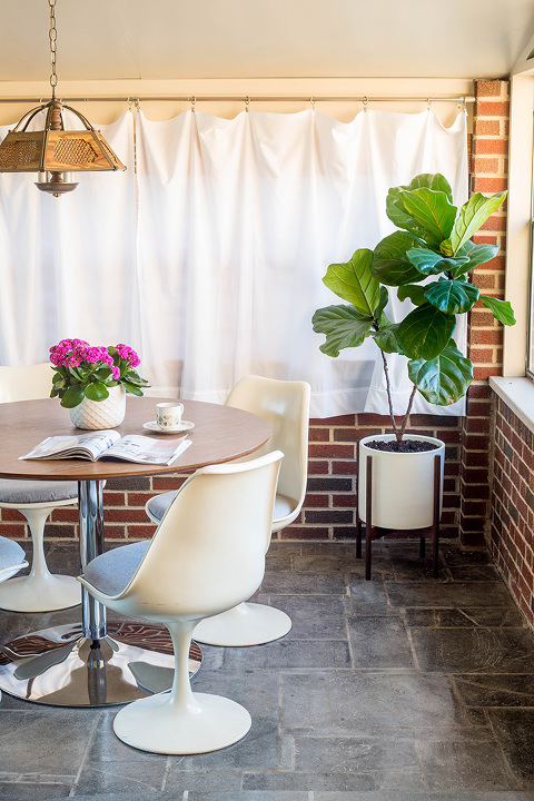 5 Ways To Bring The Indoors Out This Spring | dreamgreendiy.com