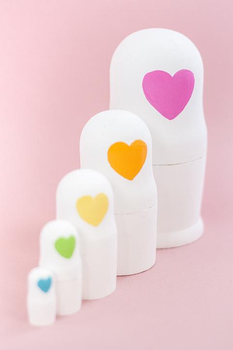 DIY Decorative Painted Heart Faced Nesting Dolls   dreamgreendiy.com