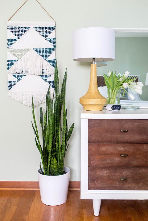 Master Bedroom Makeover Reveal | dreamgreendiy.com + @naturalarearugs
