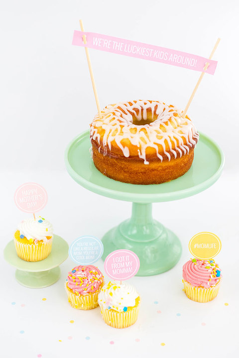 DIY Printable Mothers Day Cake Toppers   dreamgreendiy.com + @ehow