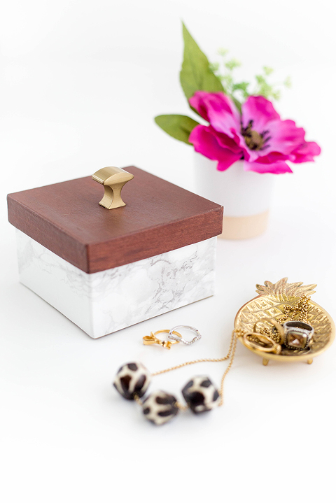 DIY Faux Wood And Marble Trinket Box | dreamgreendiy.com + @ehow