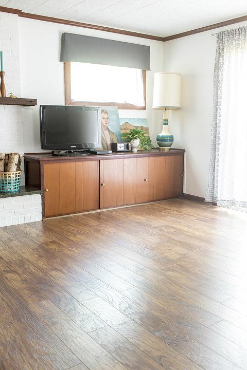 Before & After New Laminate Flooring   dreamgreendiy.com