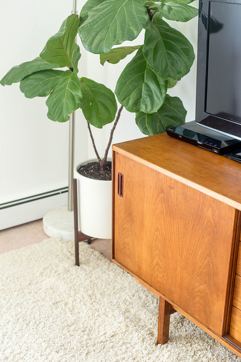Thrifted Mid-Century Console   dreamgreendiy.com