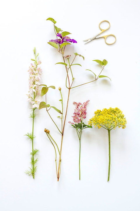 Style your surfaces with fresh flowers this weekend   dreamgreendiy.com