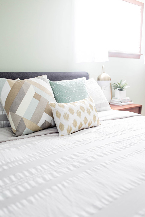 How To Upgrade To A King Size Mattress   dreamgreendiy.com + @Gelfoambed