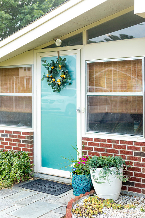How To Update A Storm Door With Teal Window Film | dreamgreendiy.com + @designyourwall