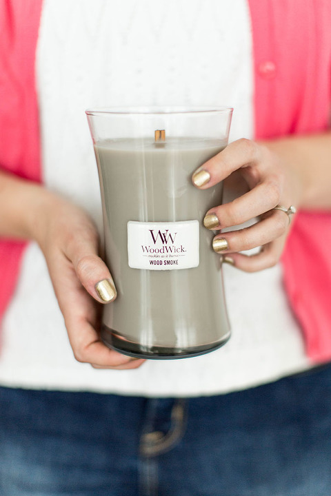 How To Style A Seasonal Candle Centerpiece | dreamgreendiy.com + @woodwick