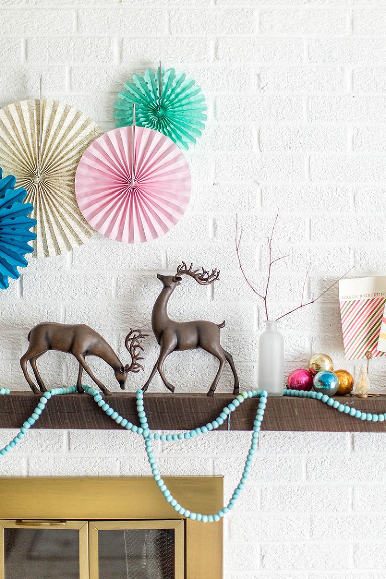 DIY Dyed Wooden Bead Christmas Garland   dreamgreendiy.com + @orientaltrading