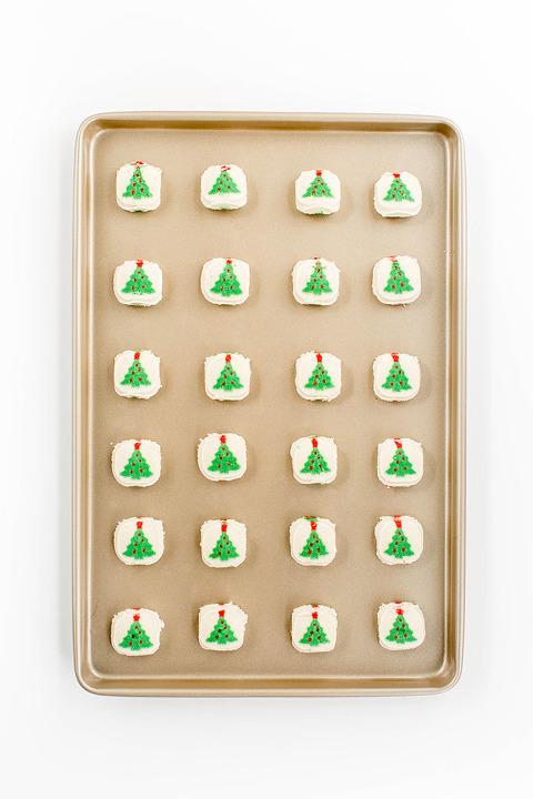 My DIY Decorated Sugar Cookie Shortcut | dreamgreendiy.com