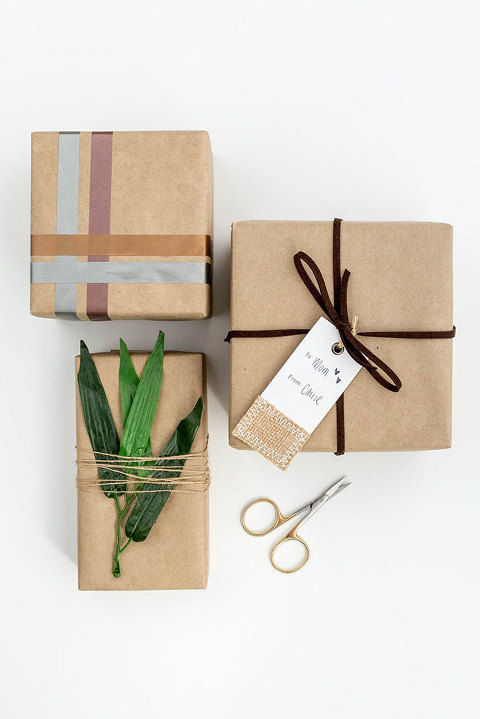 3 DIY Minimalist Wrapping Methods To Try | dreamgreendiy.com + @orientaltrading