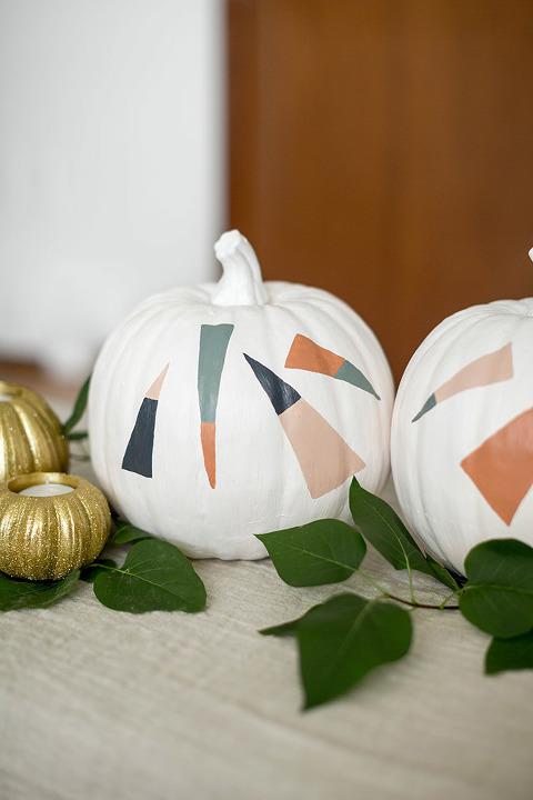 DIY Painted Dashes Halloween Pumpkin | dreamgreendiy.com + @orientaltrading